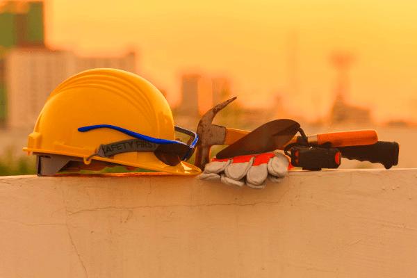 وسایل ایمنی ساختمانسازی